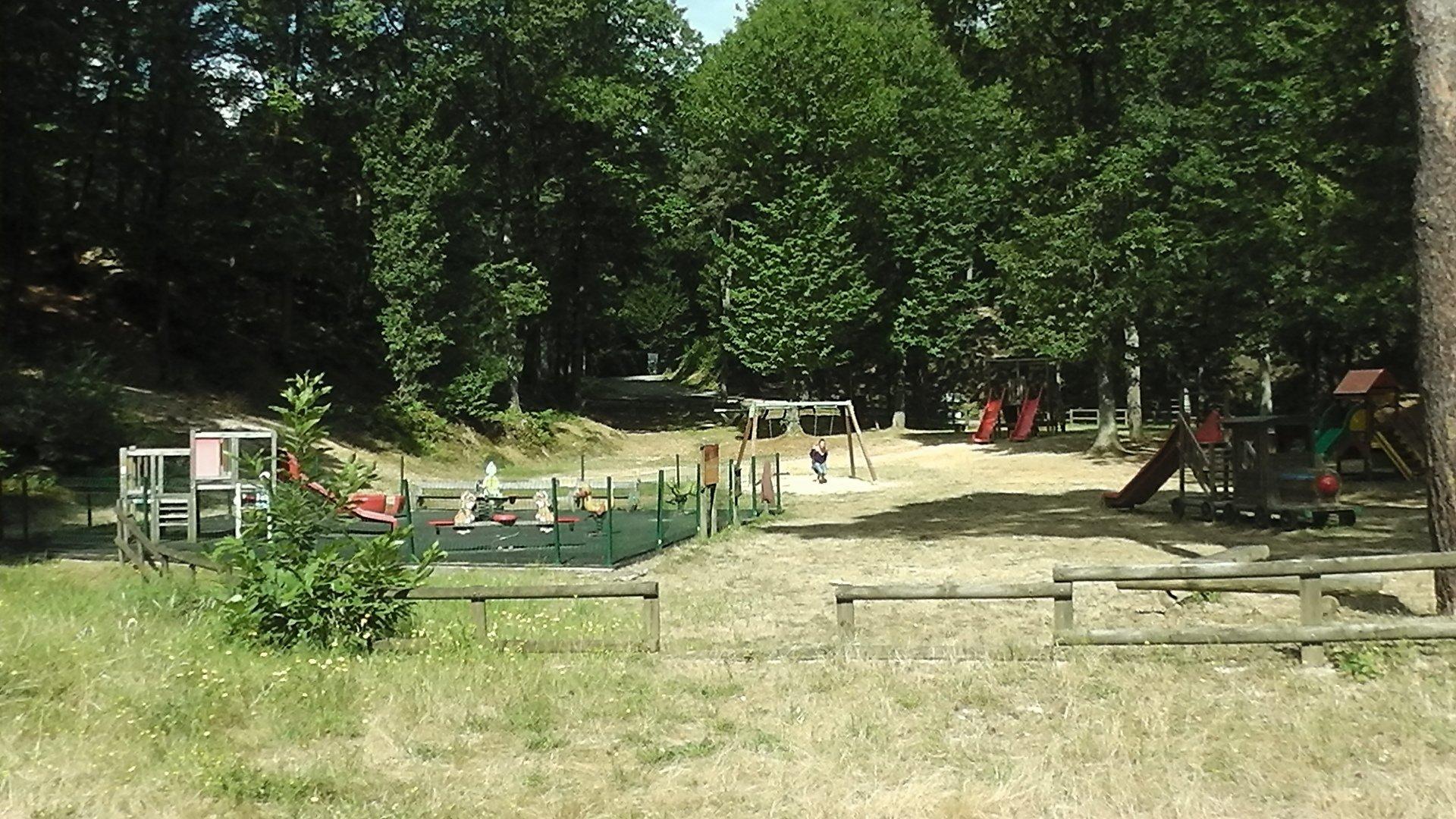 Camping Le Parc Des Roches
