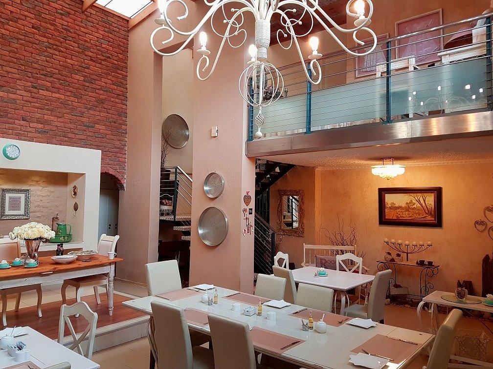 Elegant guest house polokwane sydafrika omd men och for O significado de dining room