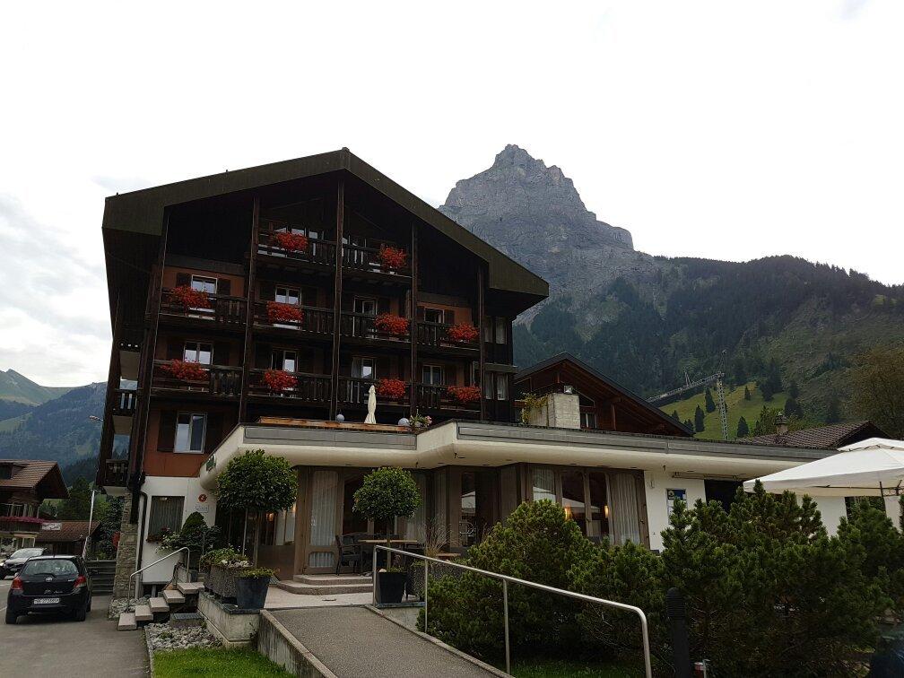 Hotel Blumlisalp