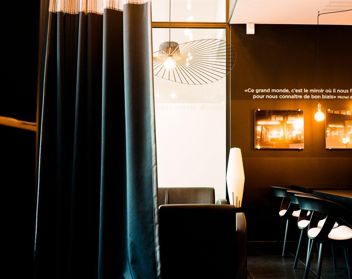 Oh miroir liege restaurant reviews phone number for Restaurant miroir