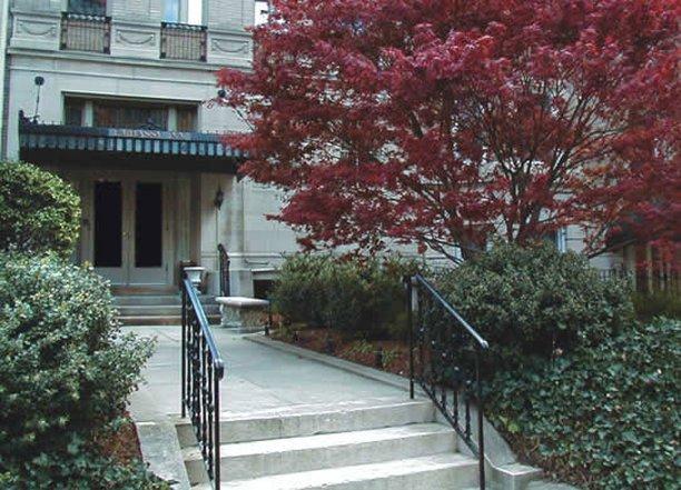 大使館酒店