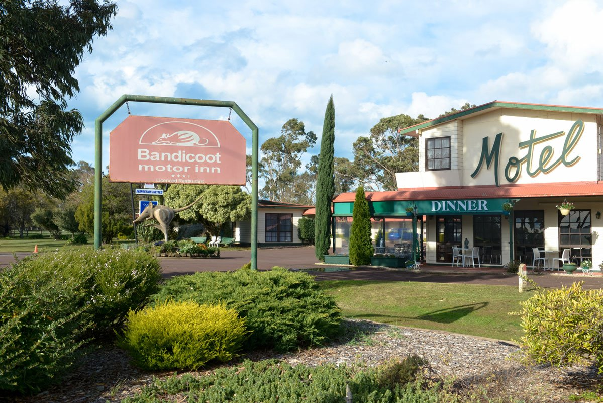Bandicoot Motor Inn Updated 2017 Motel Reviews Price