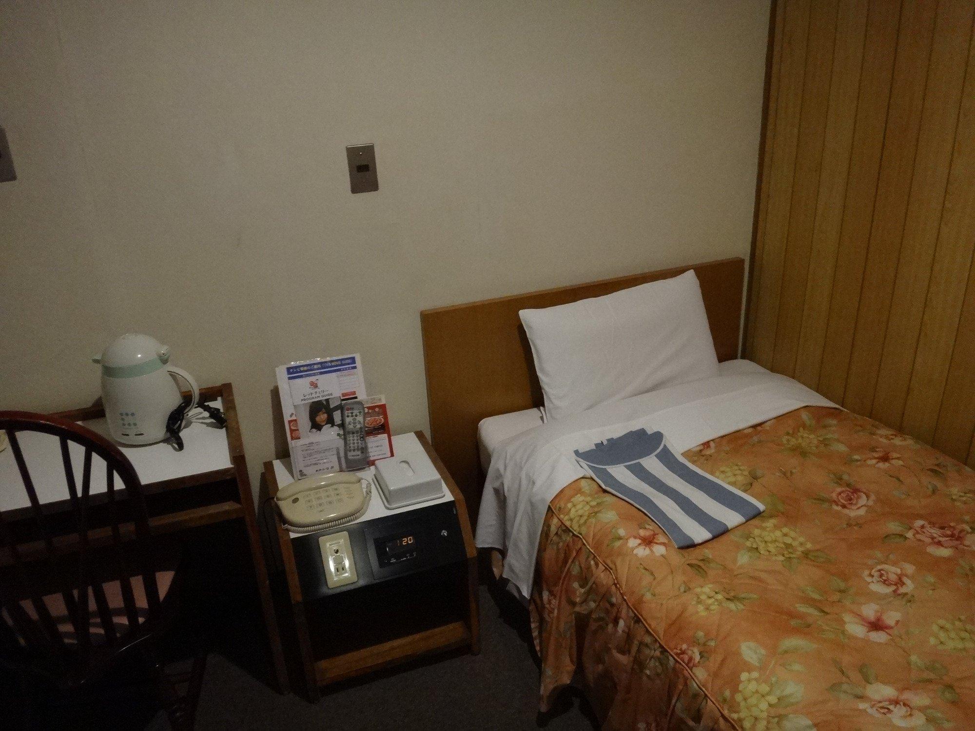 ホテル 日興