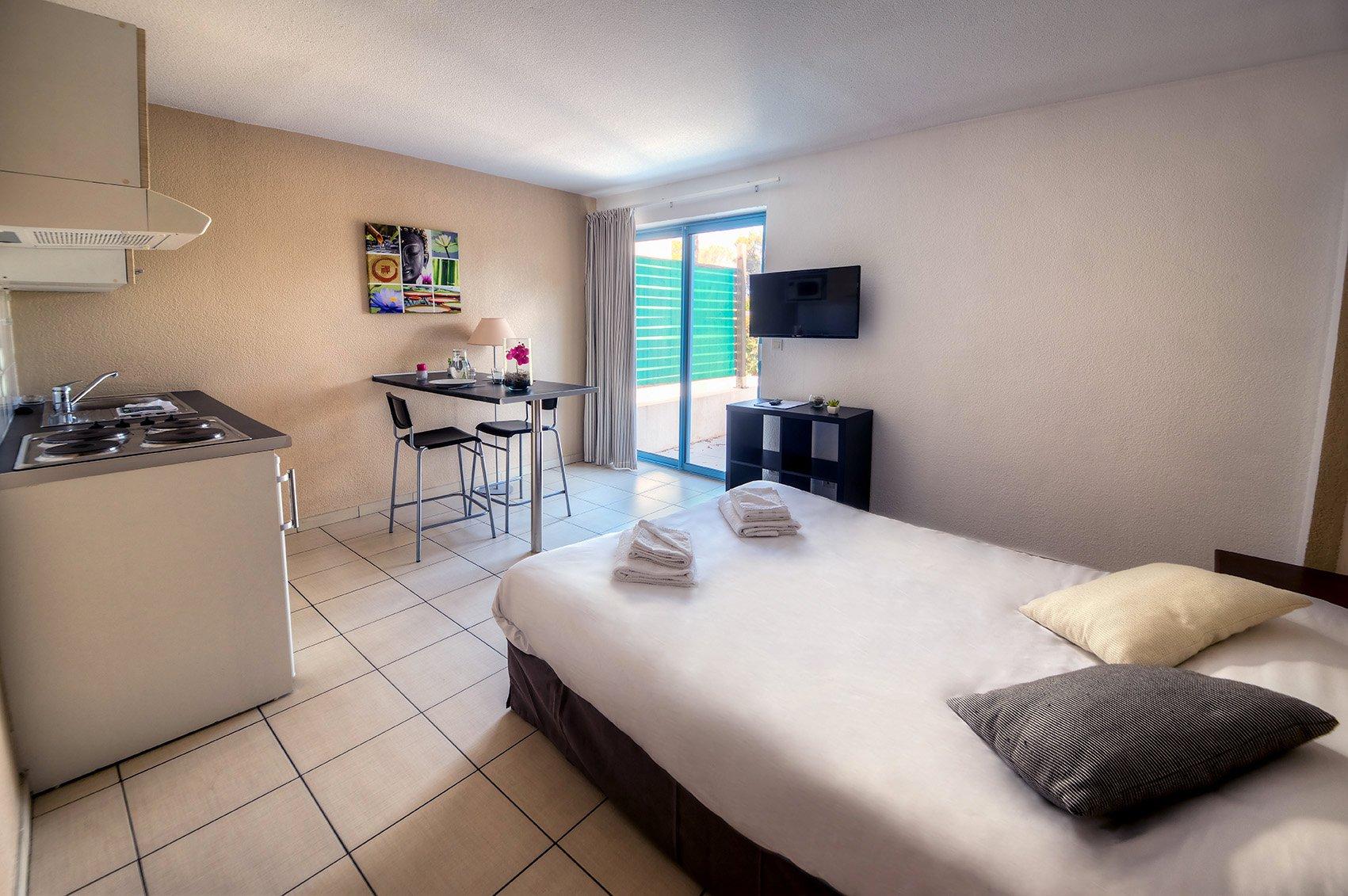 Zenitude Hôtel-Résidences La Tour de Mare