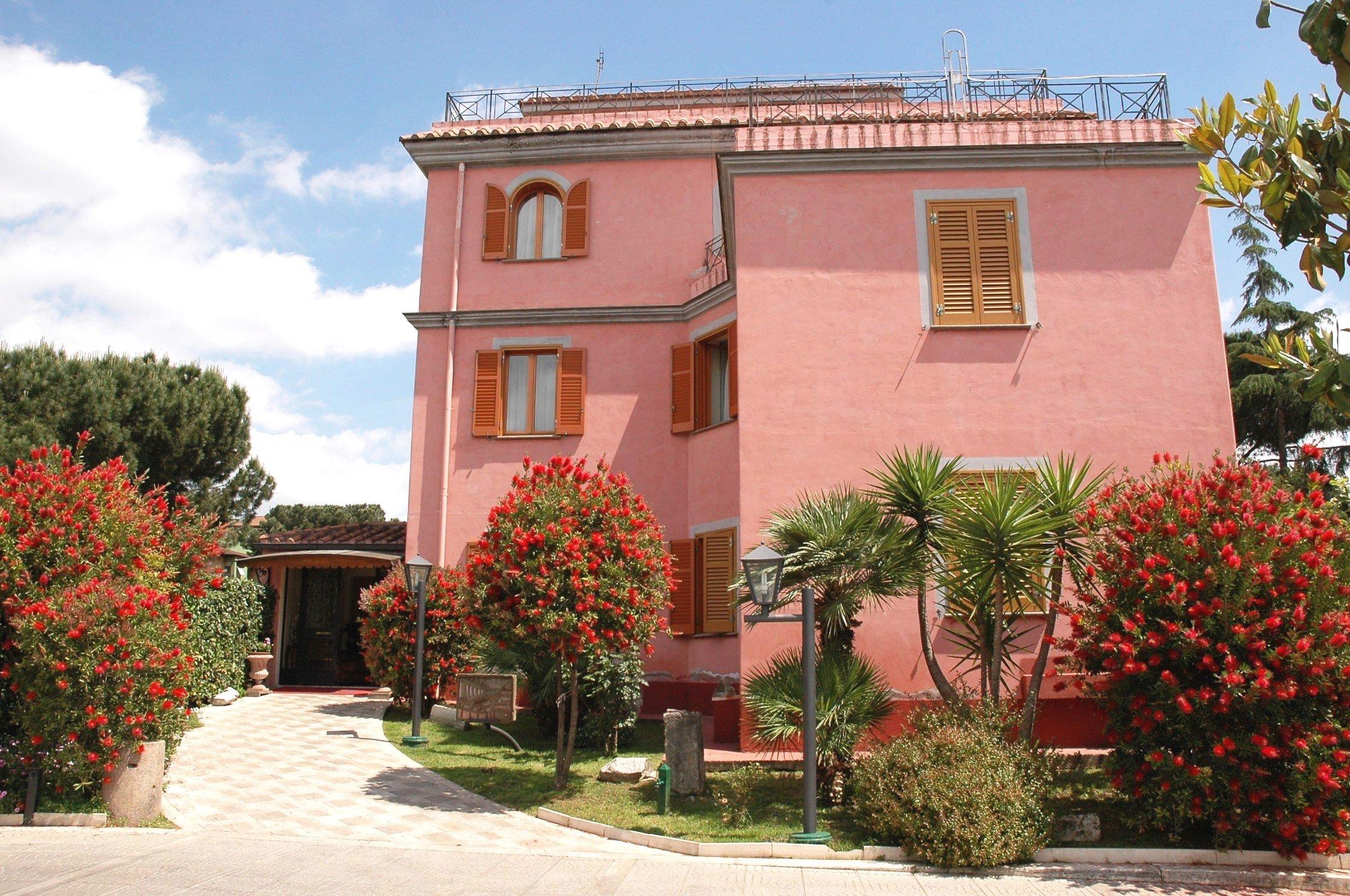 特拉維爾蒂諾凱旋門酒店