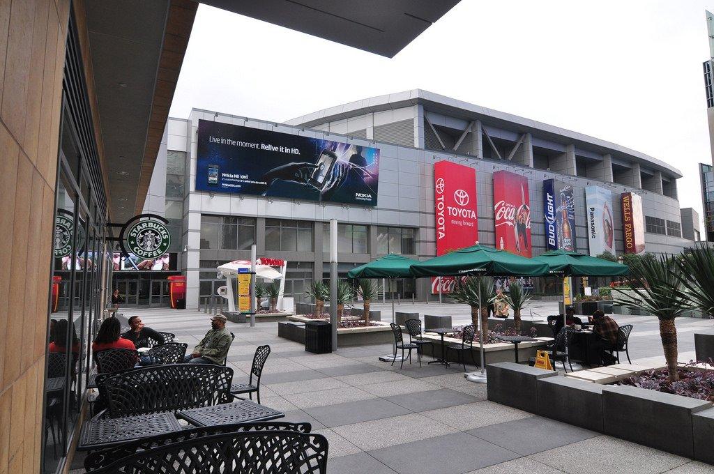 Starbucks 2 606 Of 7 217 Restaurants In Los Angeles