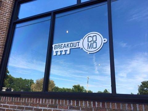 Breakout CoMo