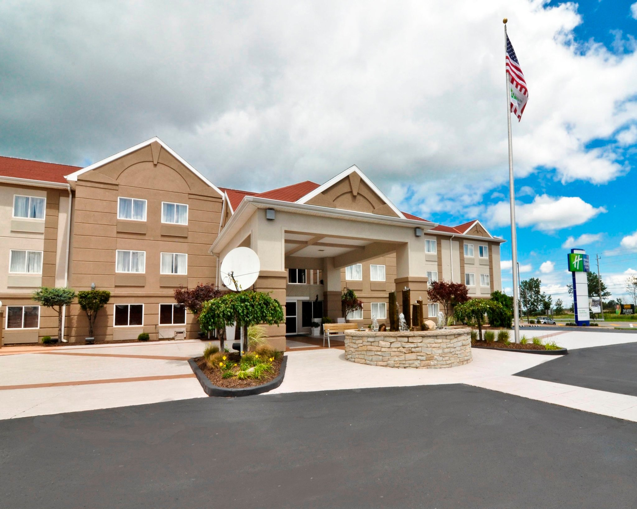 Holiday Inn Express & Suites Port Clinton