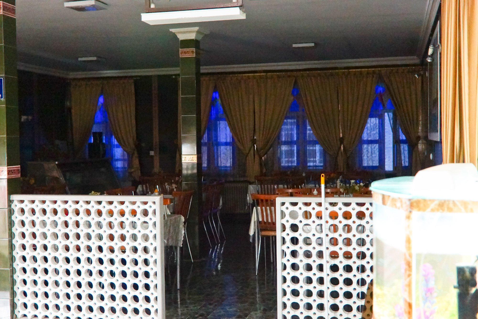 Farhang Hotel