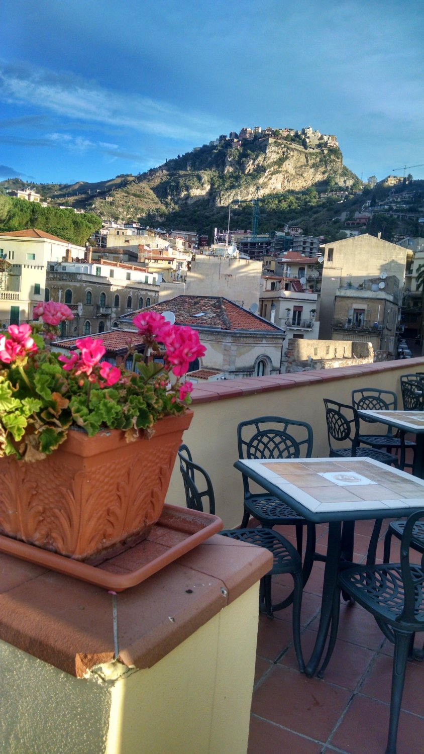 Hotel del corso taormina italien omd men och for Breakfast terrace