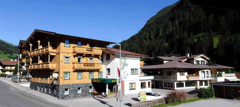 ホテル ガルニ フォレレ