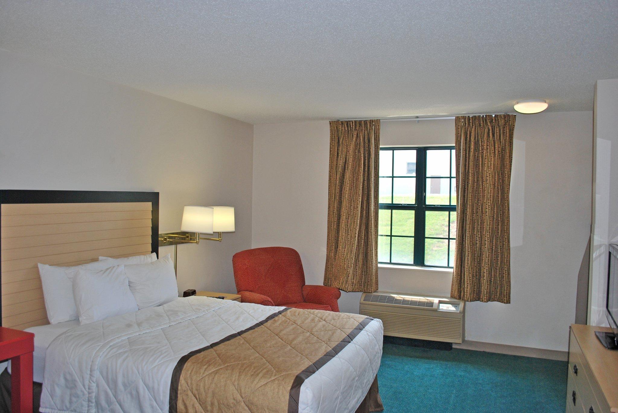 聖路易斯 - 聖皮特斯美國長住飯店
