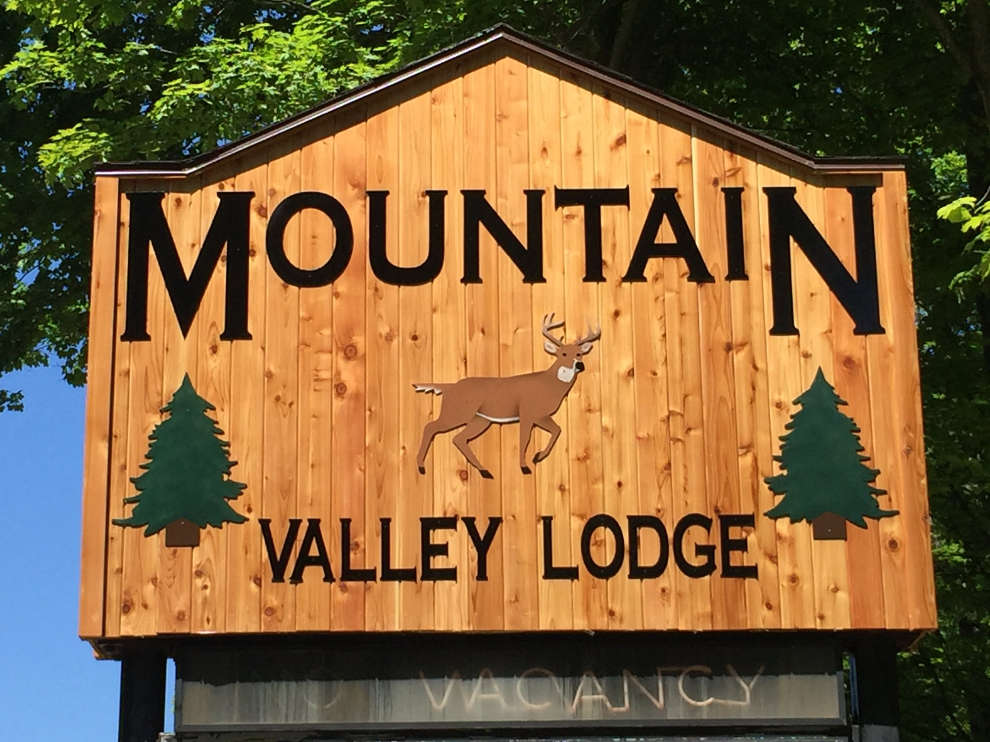 ‪Mountain Valley Lodge‬