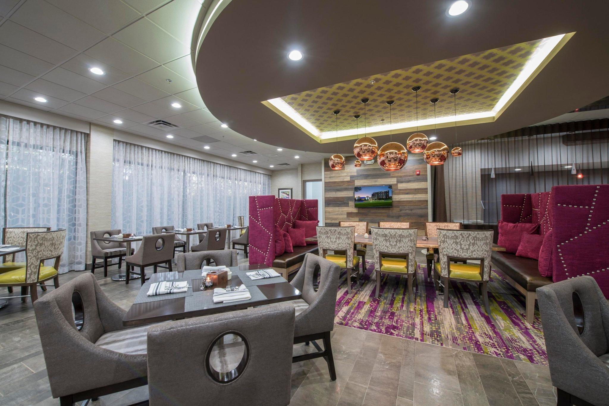 DoubleTree by Hilton Hotel Winston Salem - University
