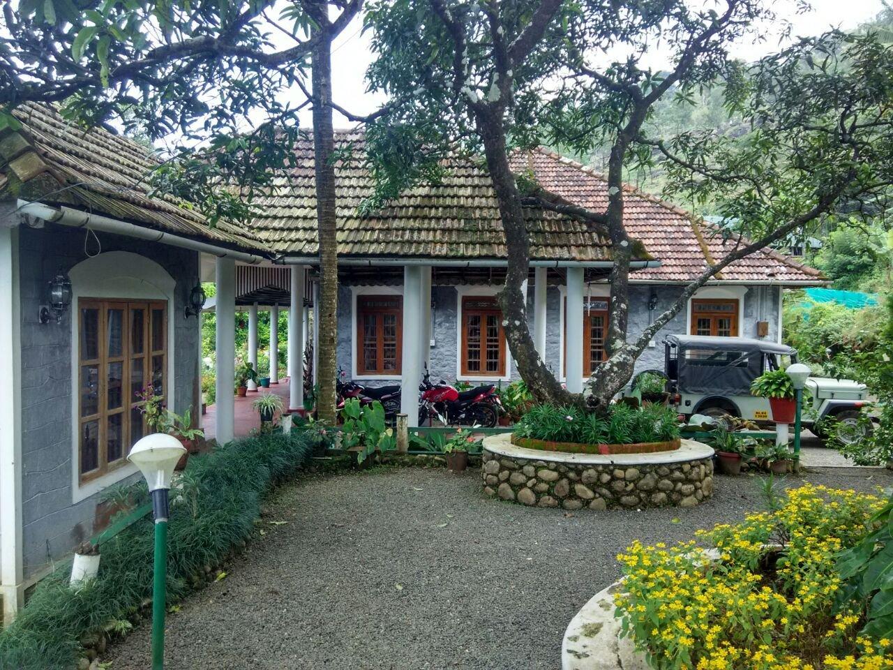Urumbi Hill Palace Plantation Resort