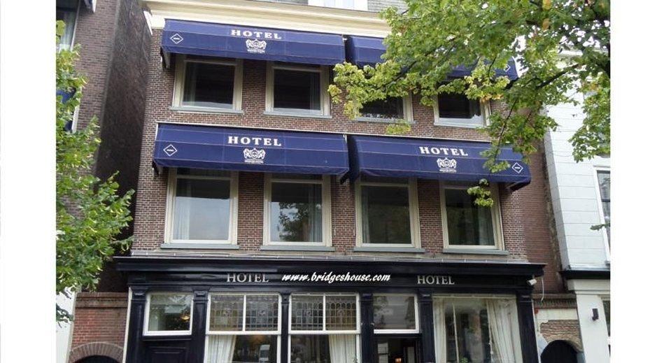 호텔 브리지스 하우스