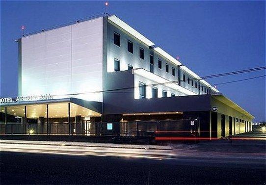 科斯拉達機場萬豪AC酒店