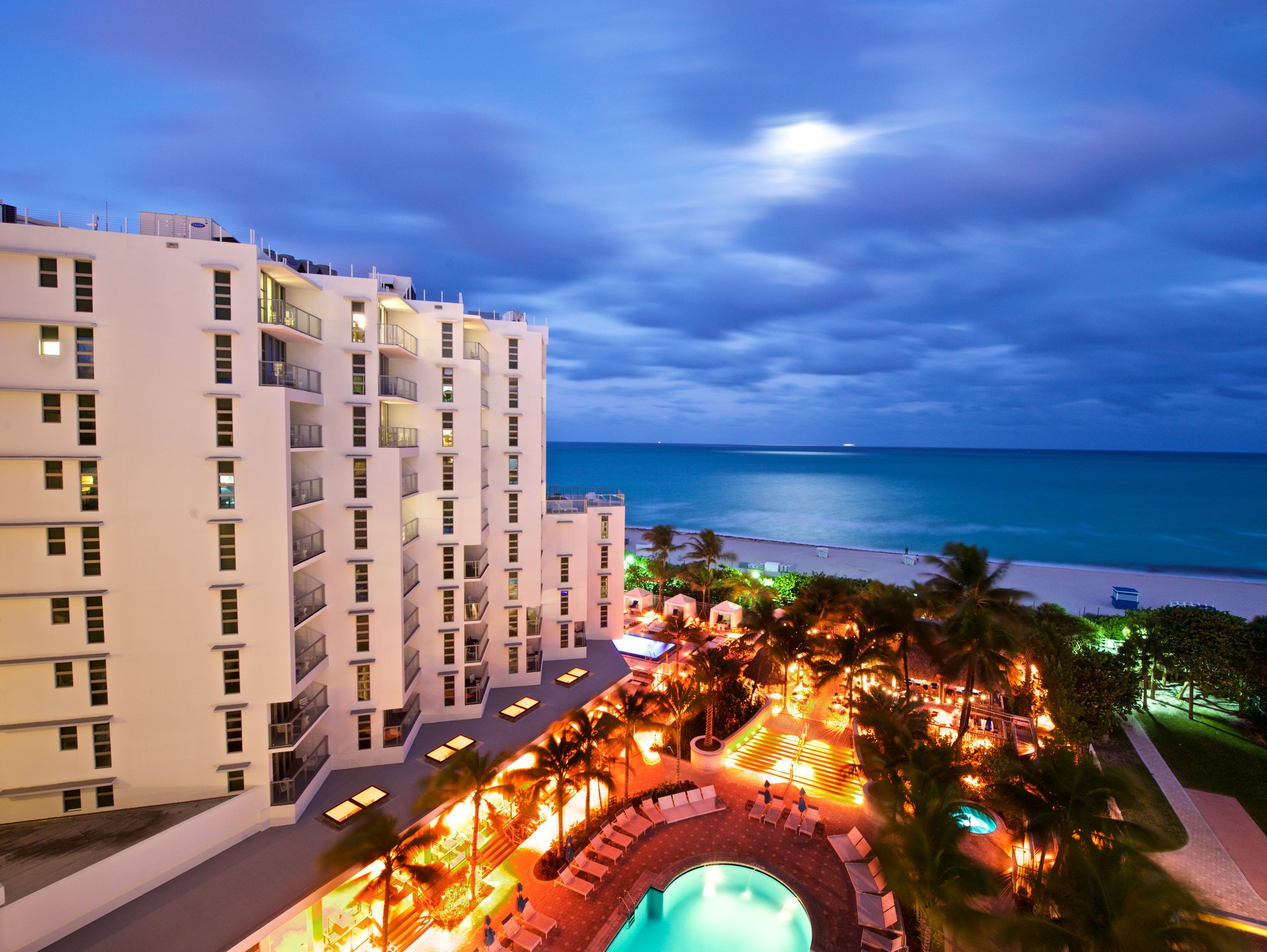 Courtyard Cadillac Miami Beach Oceanfront Updated 2017 Hotel Reviews Amp Price Comparison Fl