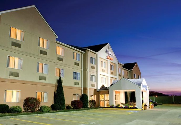 Fairfield Inn & Suites Canton