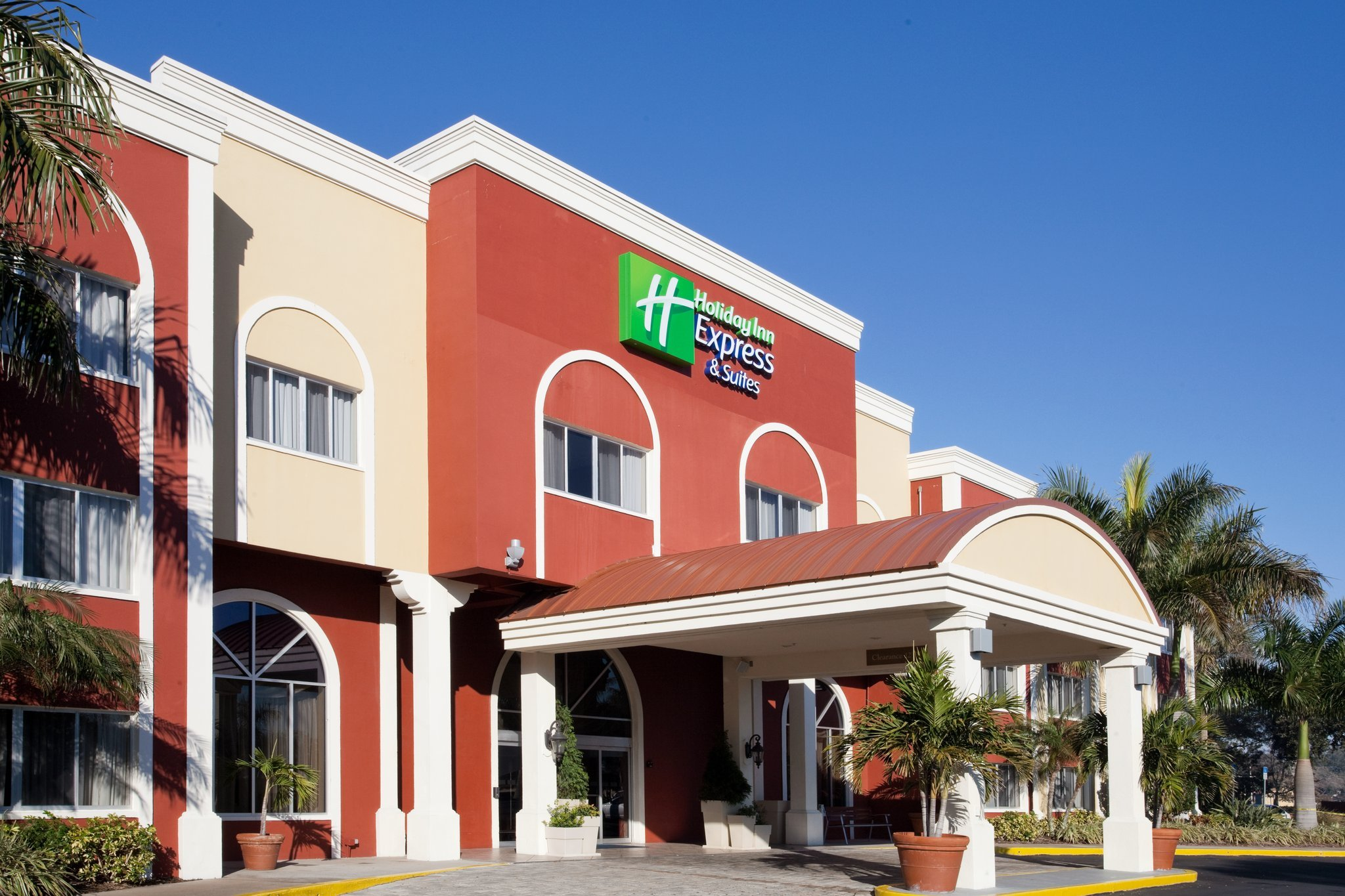 ‪Holiday Inn Express & Suites Bradenton West‬