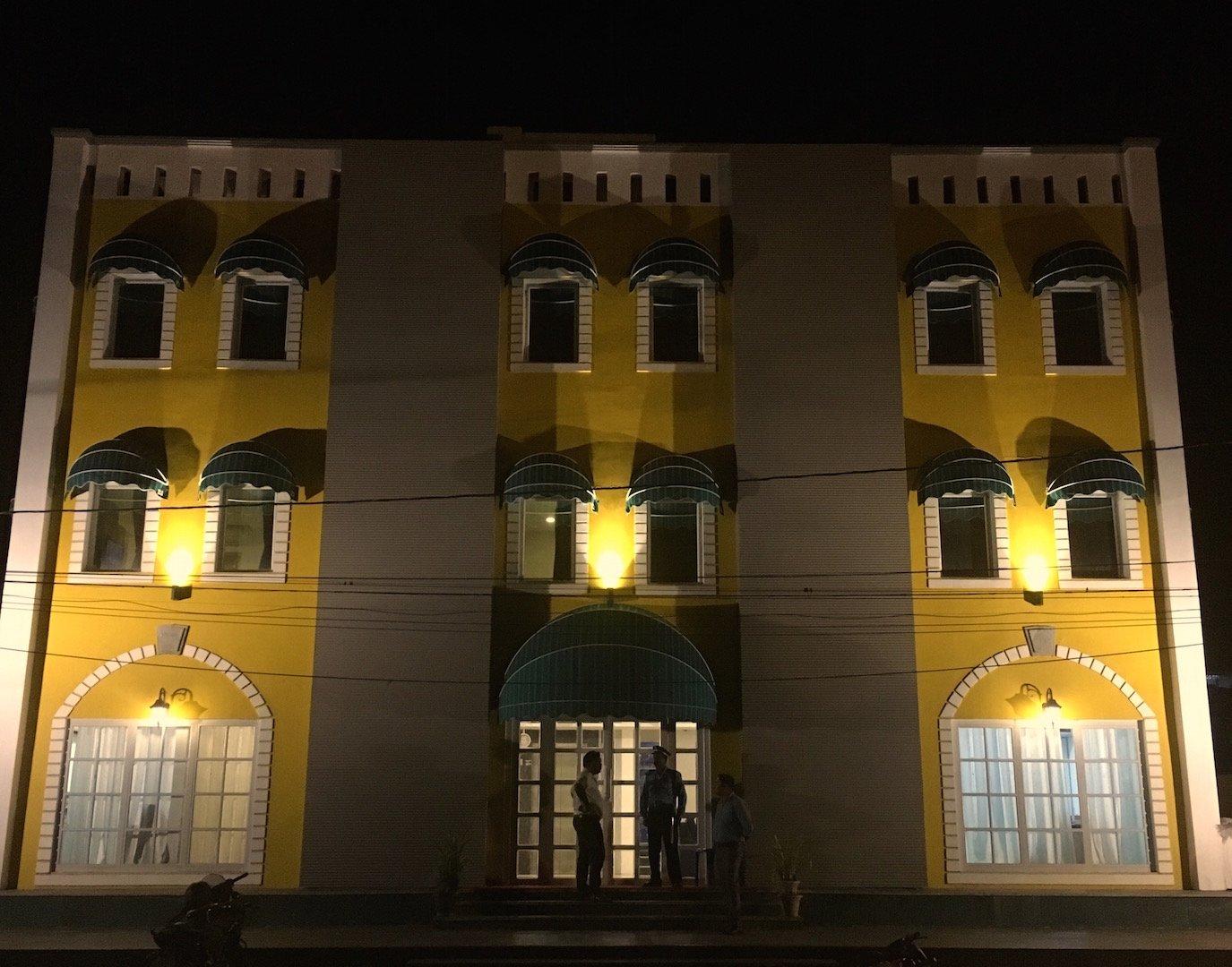 Hotel Diviyum Manor