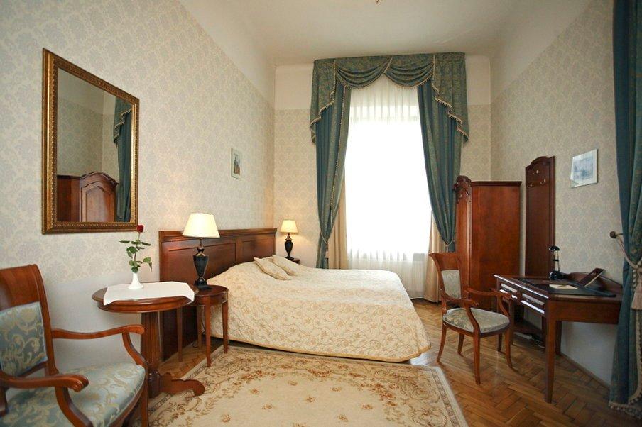 歐多亞皇宮飯店