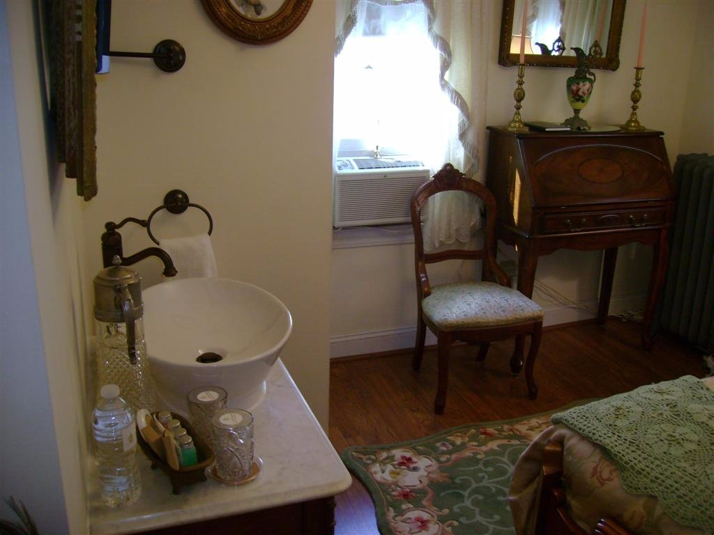 1910 House Bed and Breakfast