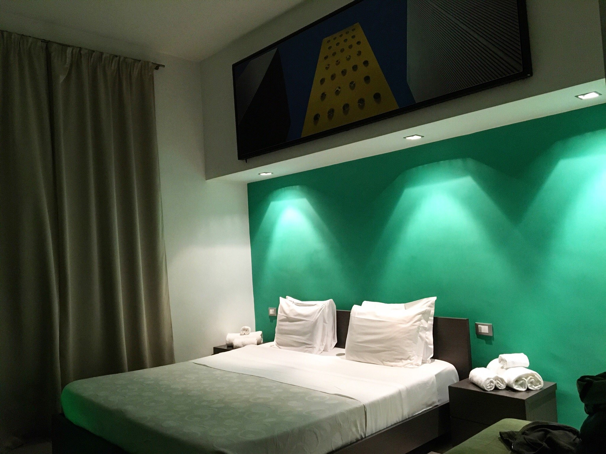 Chroma Hotel