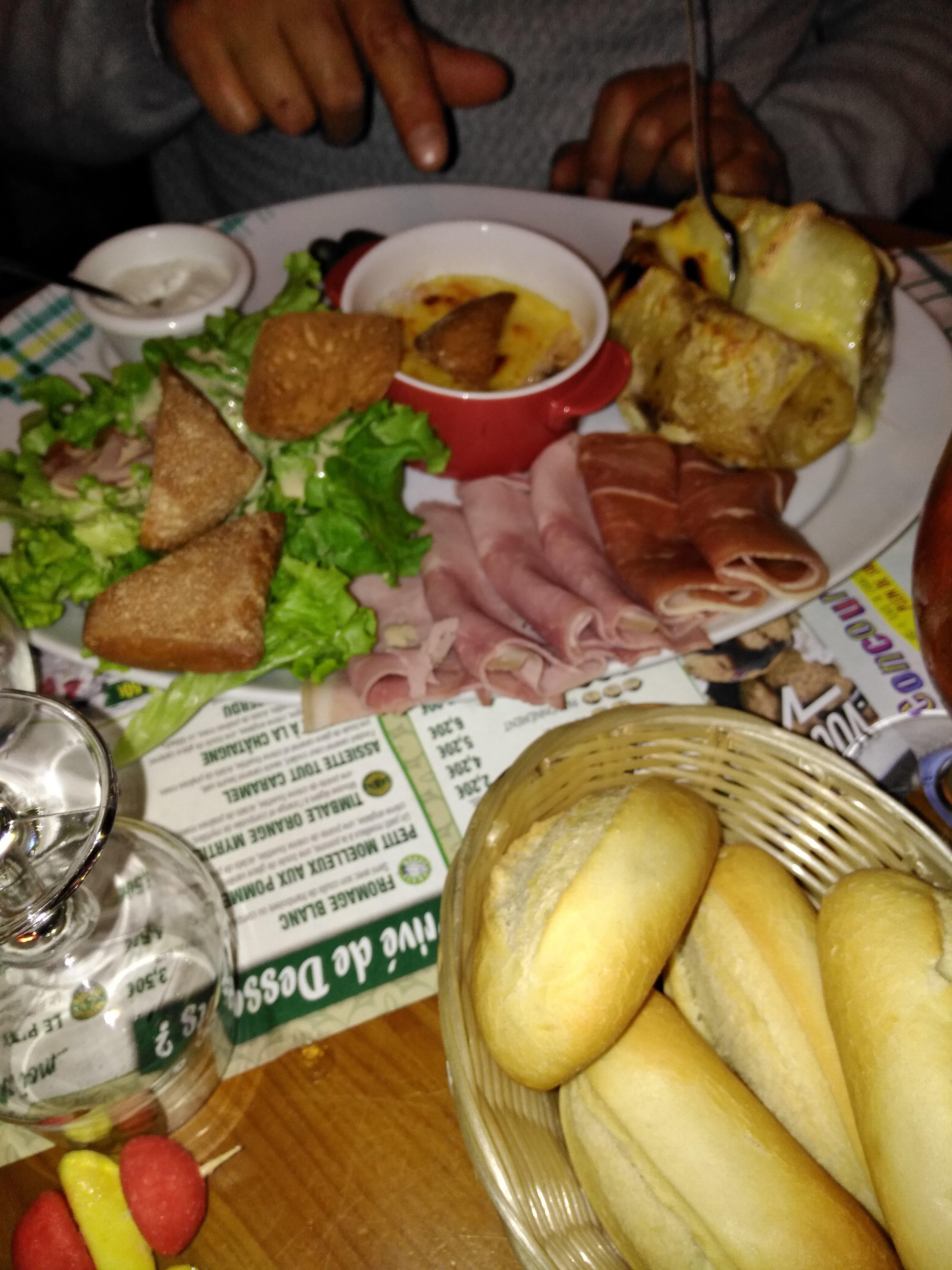 La Pataterie, La Ville Du Bois 16 Allee Saint Fiacre Restaurant Avis, Numéro de Téléphone  # Restaurant La Ville Du Bois