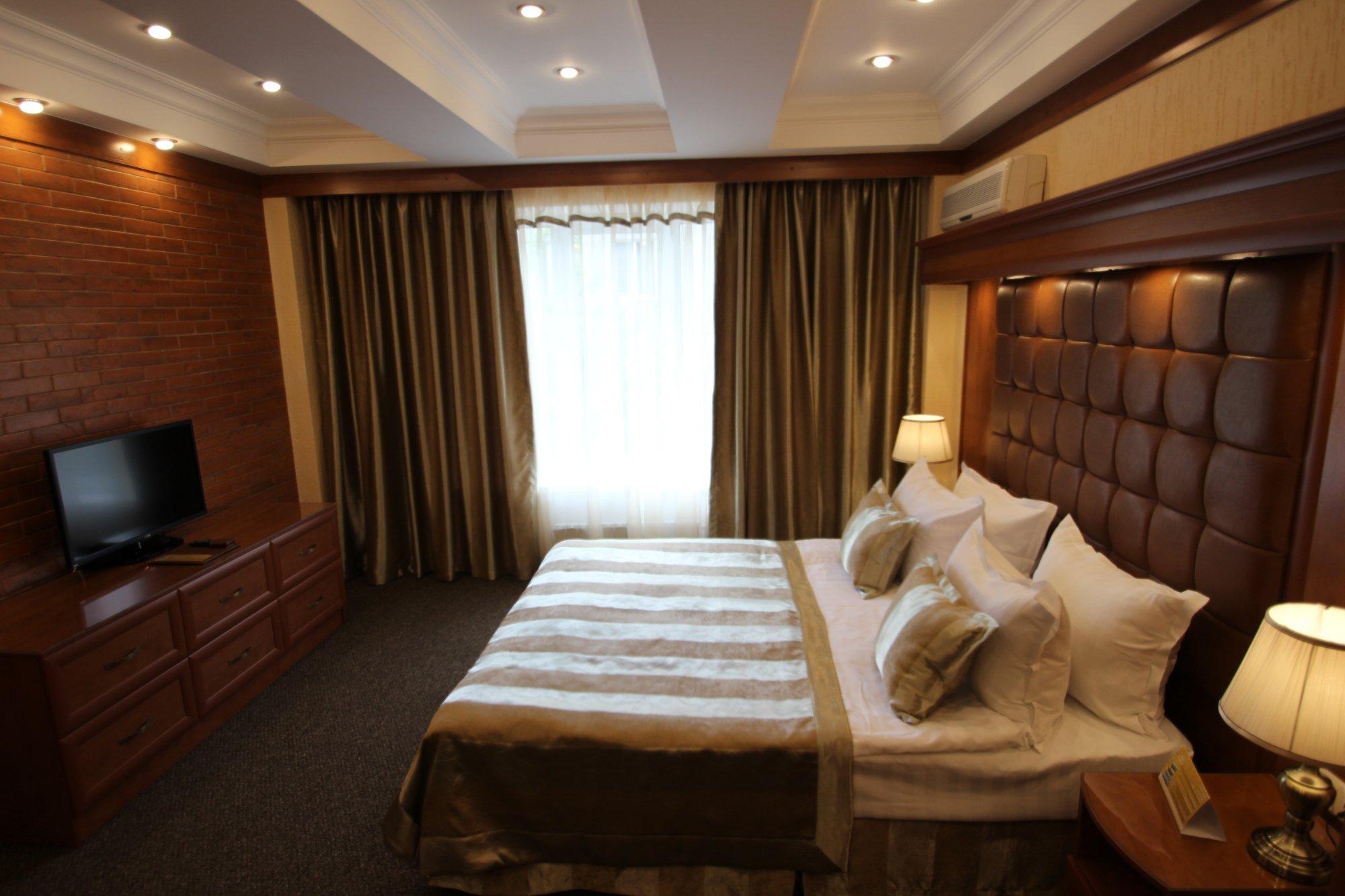 Uyut Hotel
