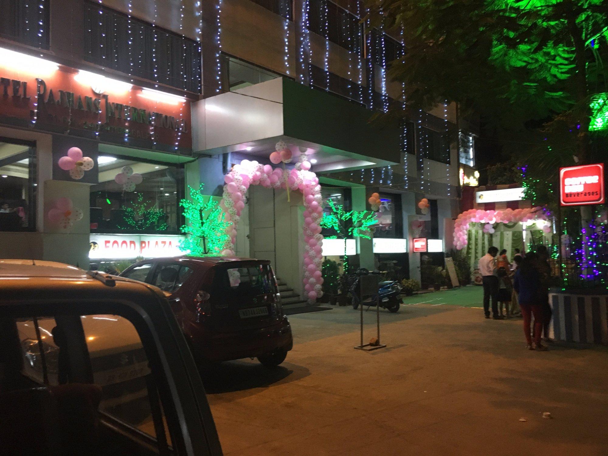 Hotel Rajhans International
