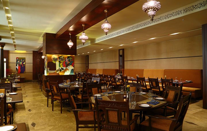 Kuchipudi restaurant hyderabad omd men om restauranger for Crystal 7 cuisine hyderabad
