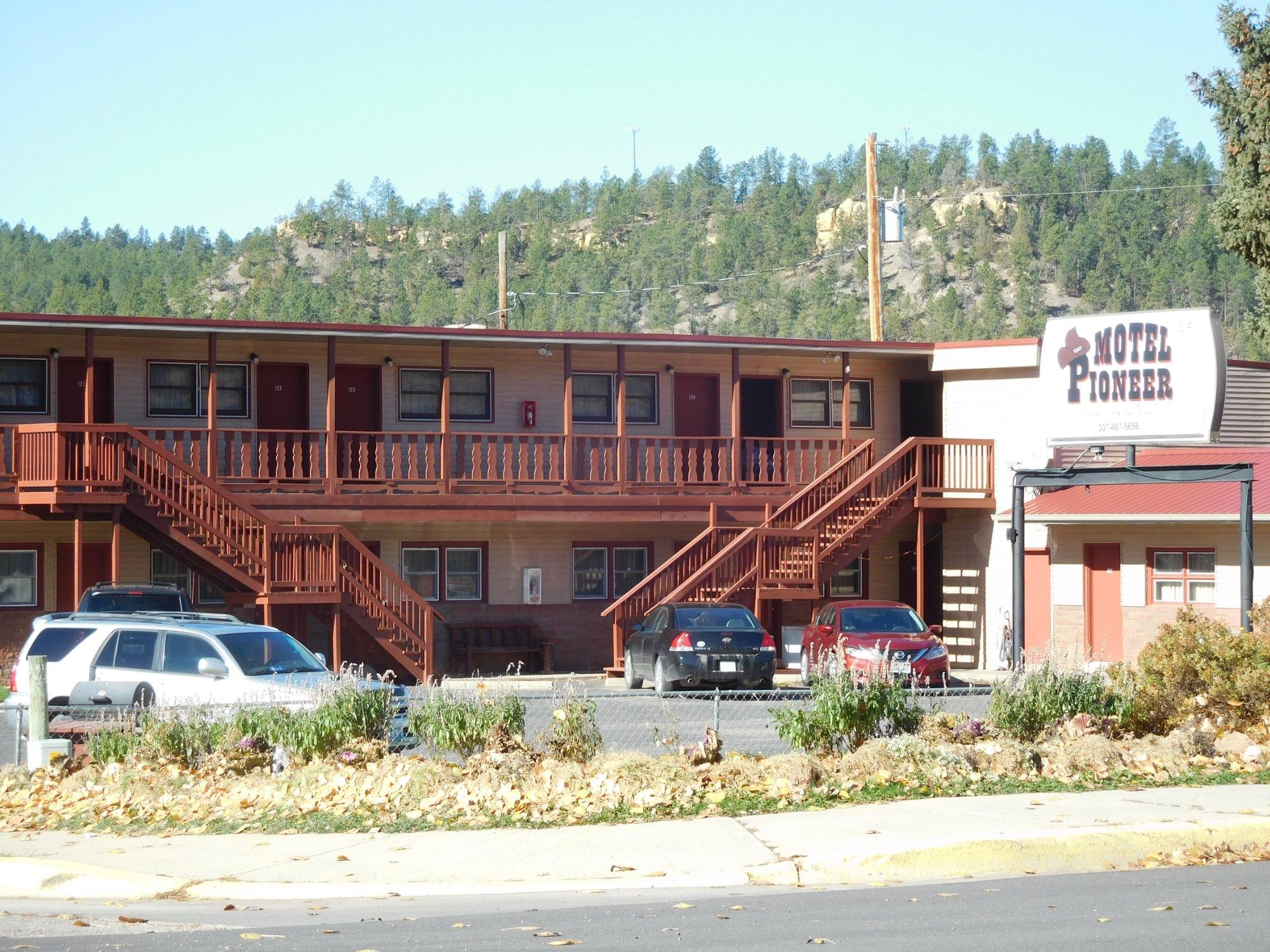 Motel Pioneer