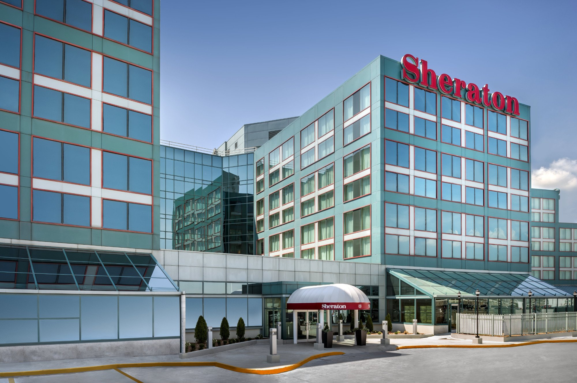 Sheraton Gateway Hotel in Toronto International Airport