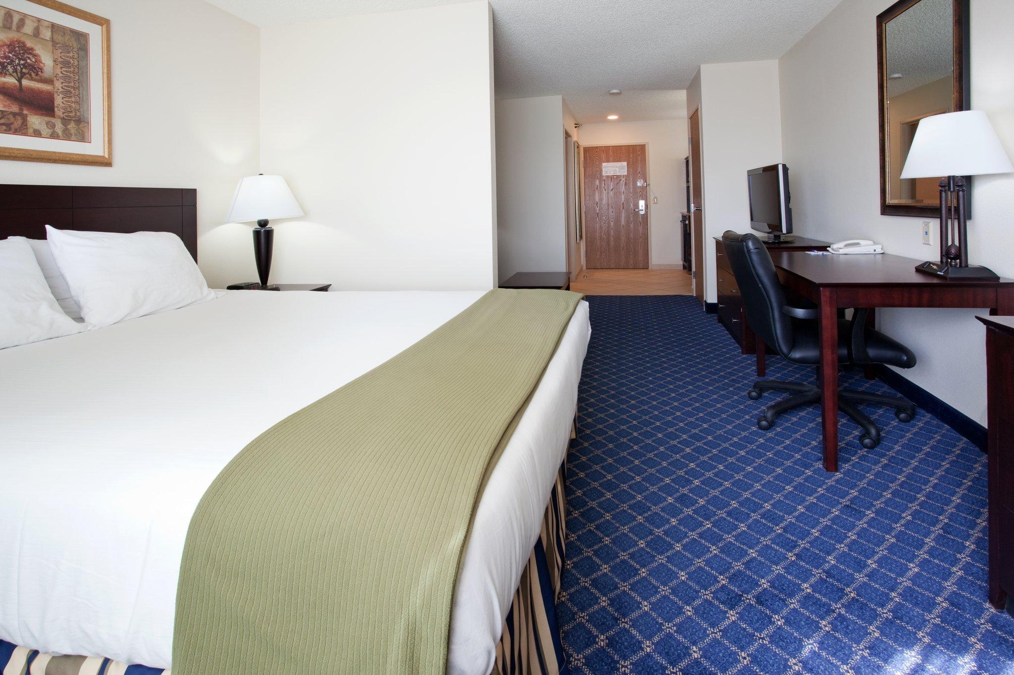 Holiday Inn Express Torrington