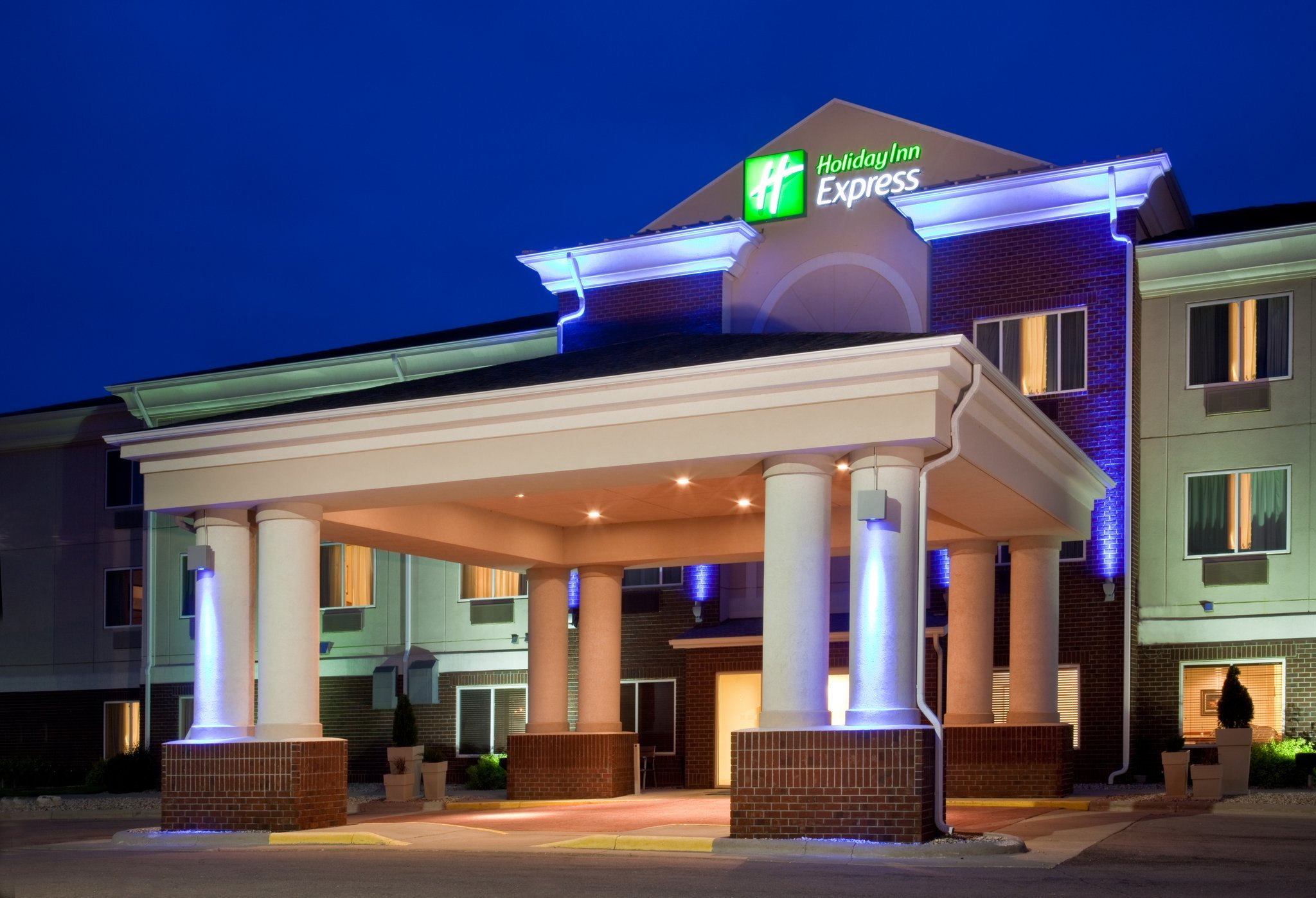 Holiday Inn Express Hotel & Suites Vermillion