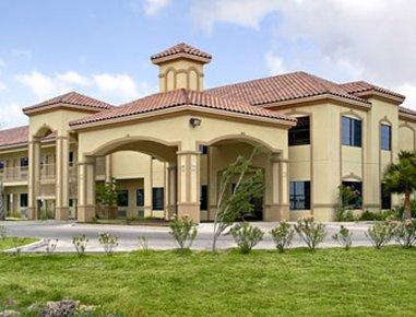 Boca Chica Inn & Suites