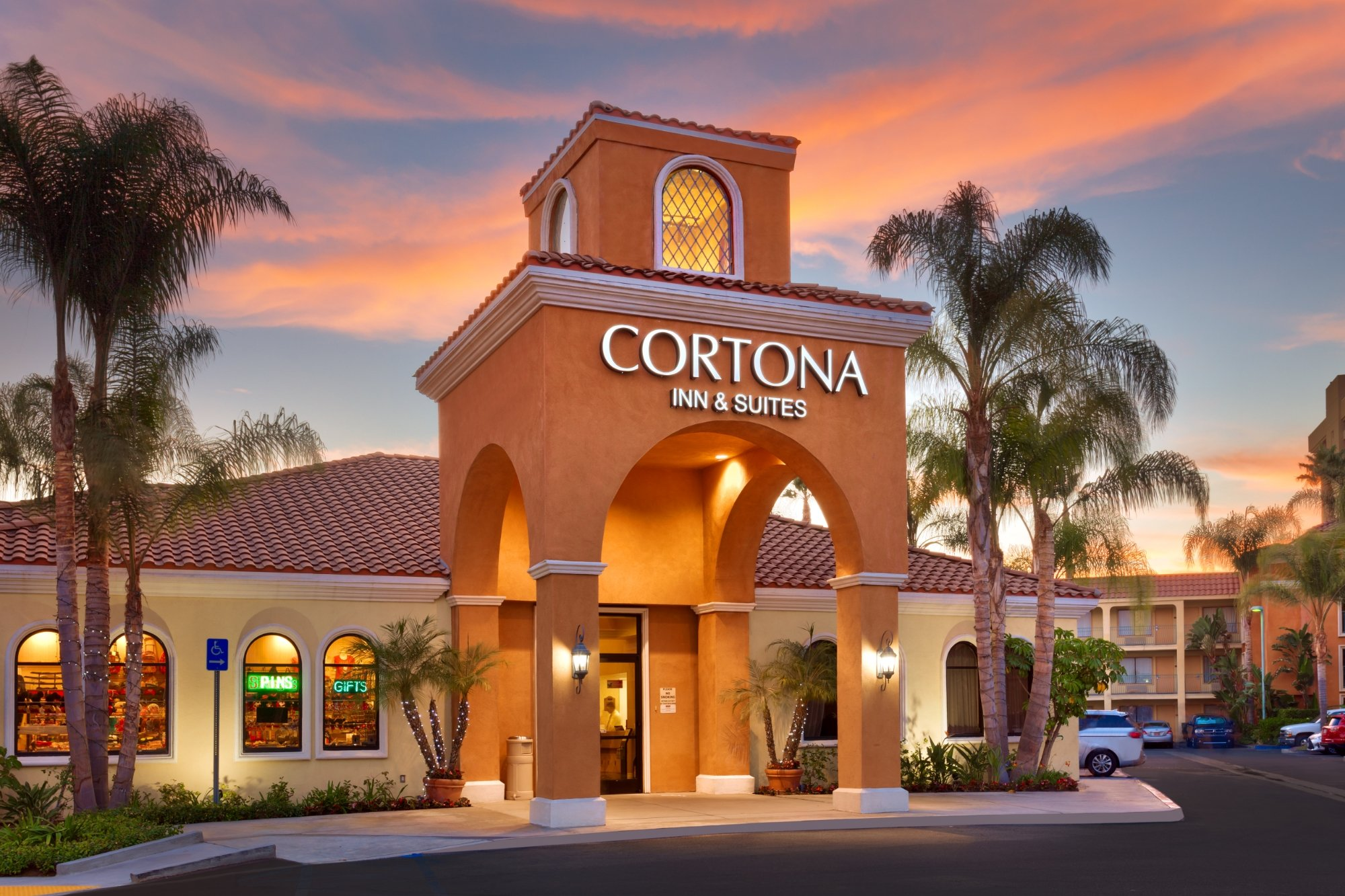 Cortona Inn & Suites Anaheim Resort