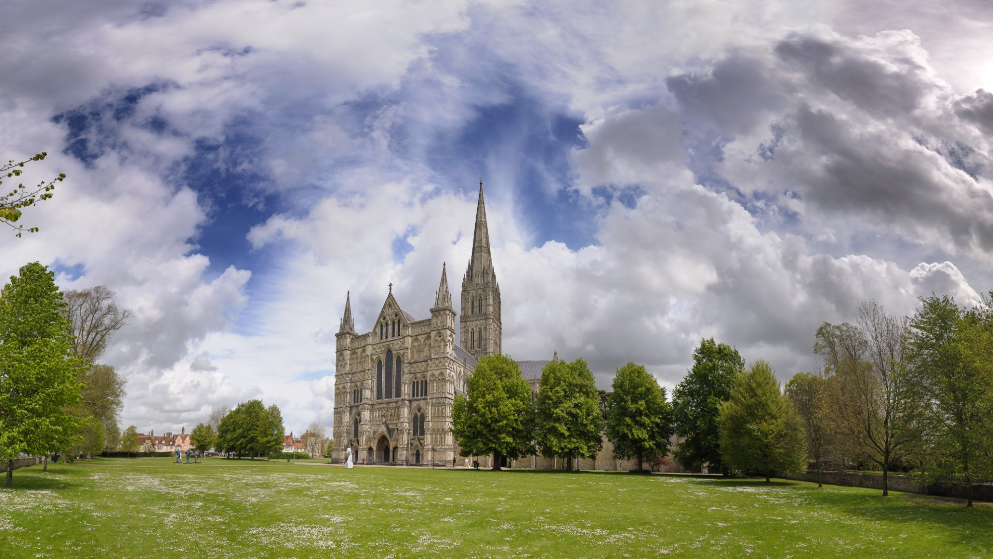 the salisbury cathedral an overview Visiting salisbury cathedral where to enter salisbury salisbury overview salisbury cathedral city of salisbury old sarum stonehenge bus tours from london.