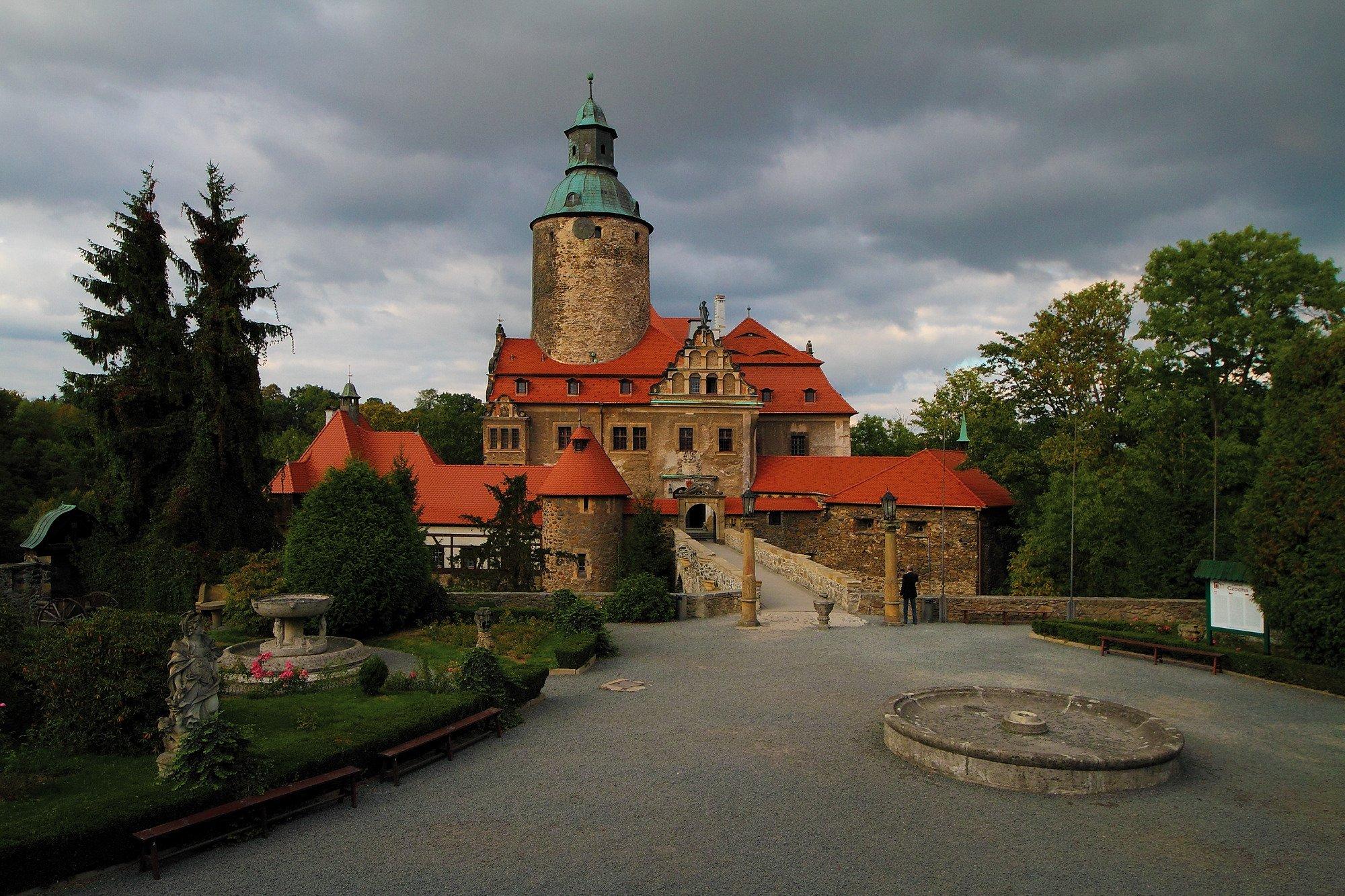 Czoch Castle Hotel