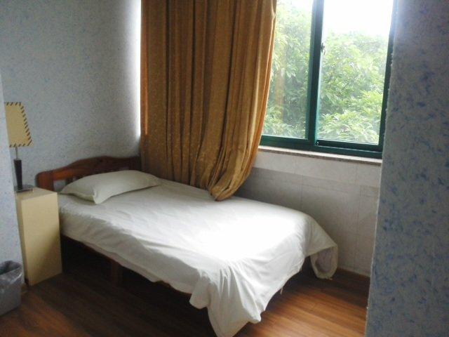 He Jia Hotel (Wenyuan)