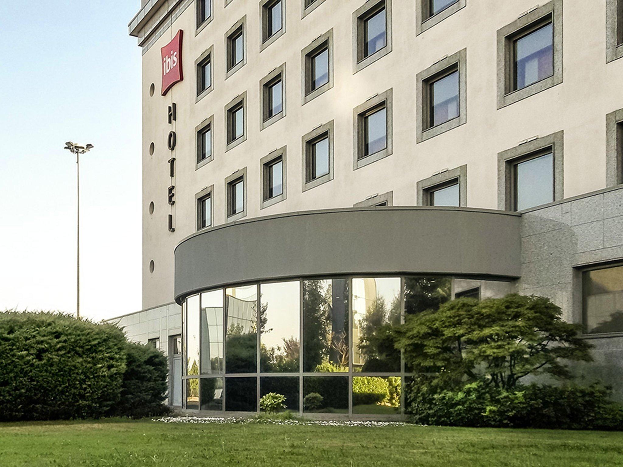 宜必思維羅納酒店
