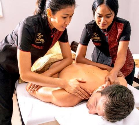 ‪Chalalai Thai Massage Madrid‬