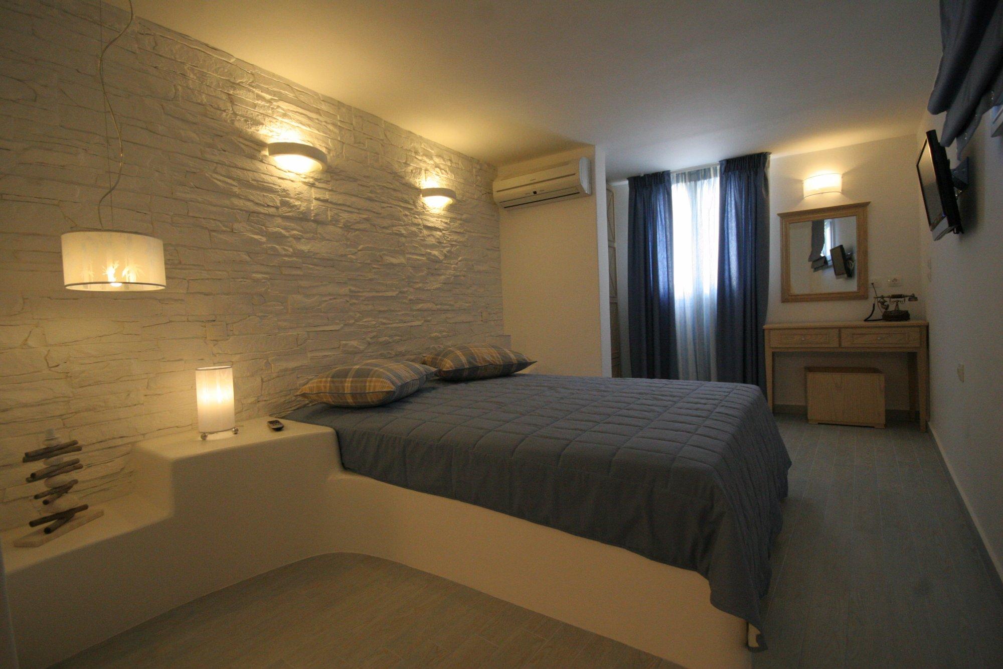 Villa Isabella Suites & Studios