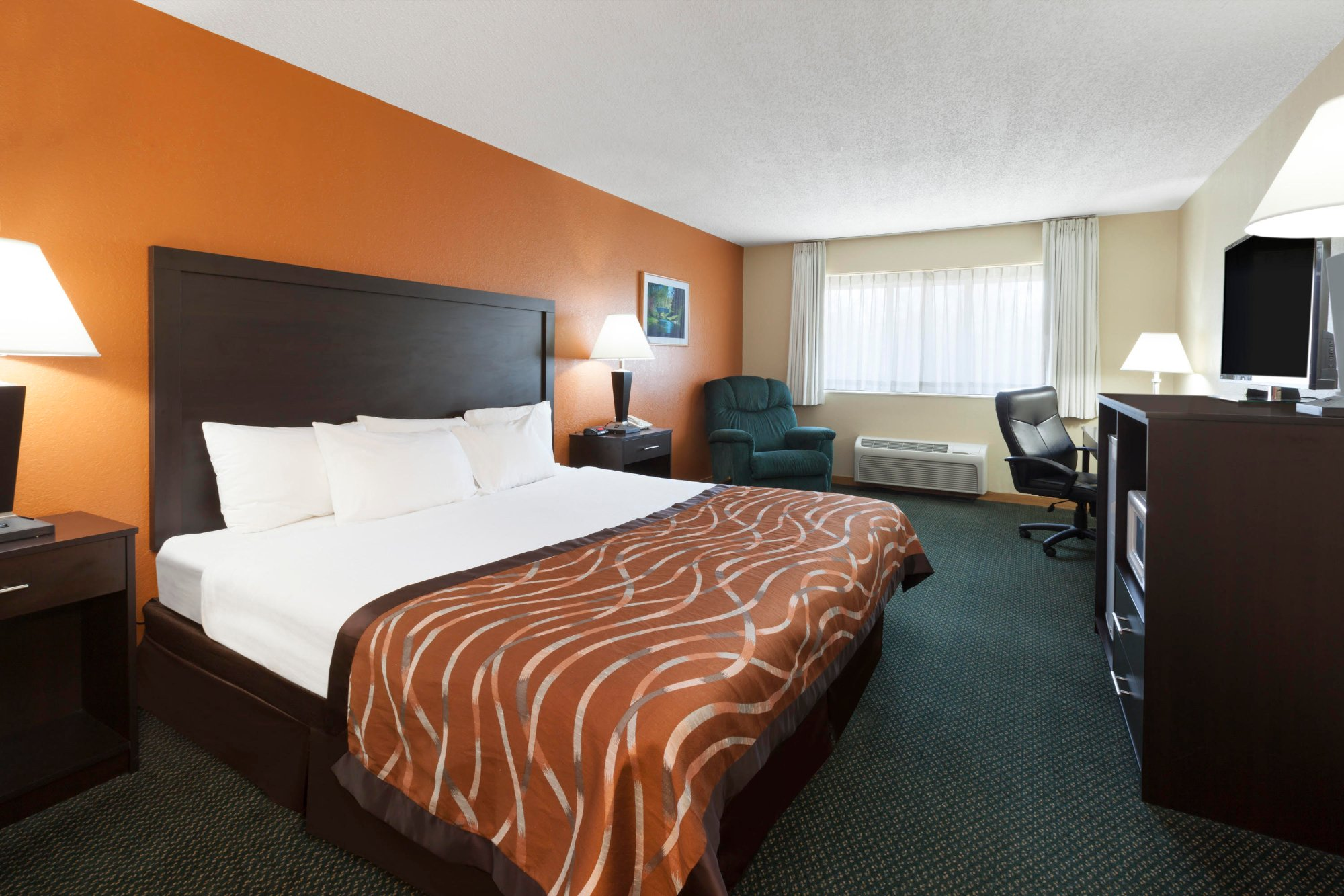 Baymont Inn & Suites Midland