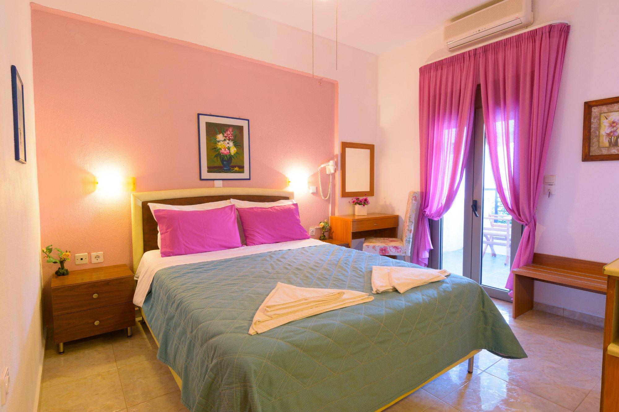 Villa Minoas Apartments & Studios