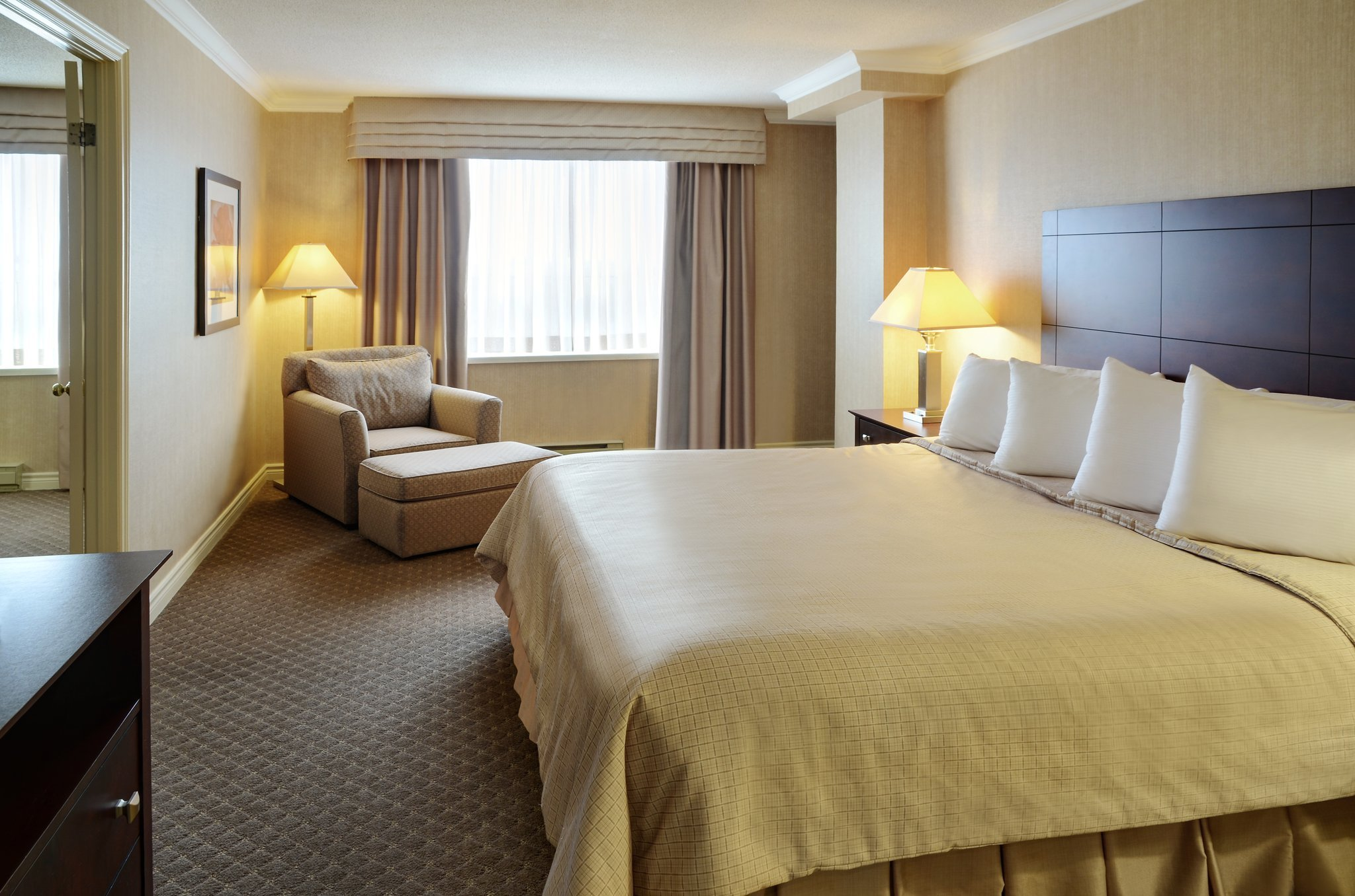 Stationpark All Suite Hotel Updated 2017 Prices Reviews Amp Photos London Ontario Tripadvisor