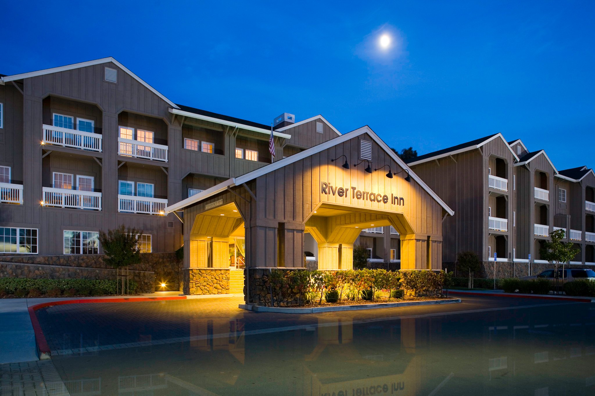 River Terrace Inn, A Noble House Hotel