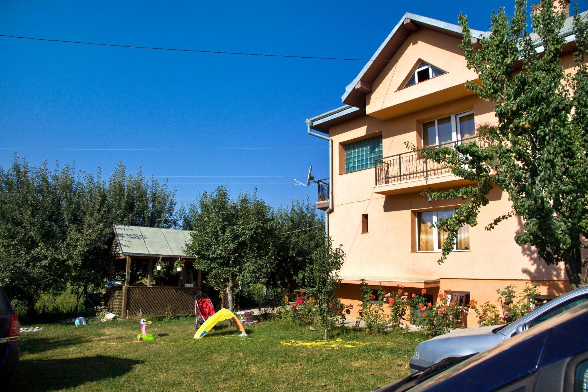 Lary Hostel