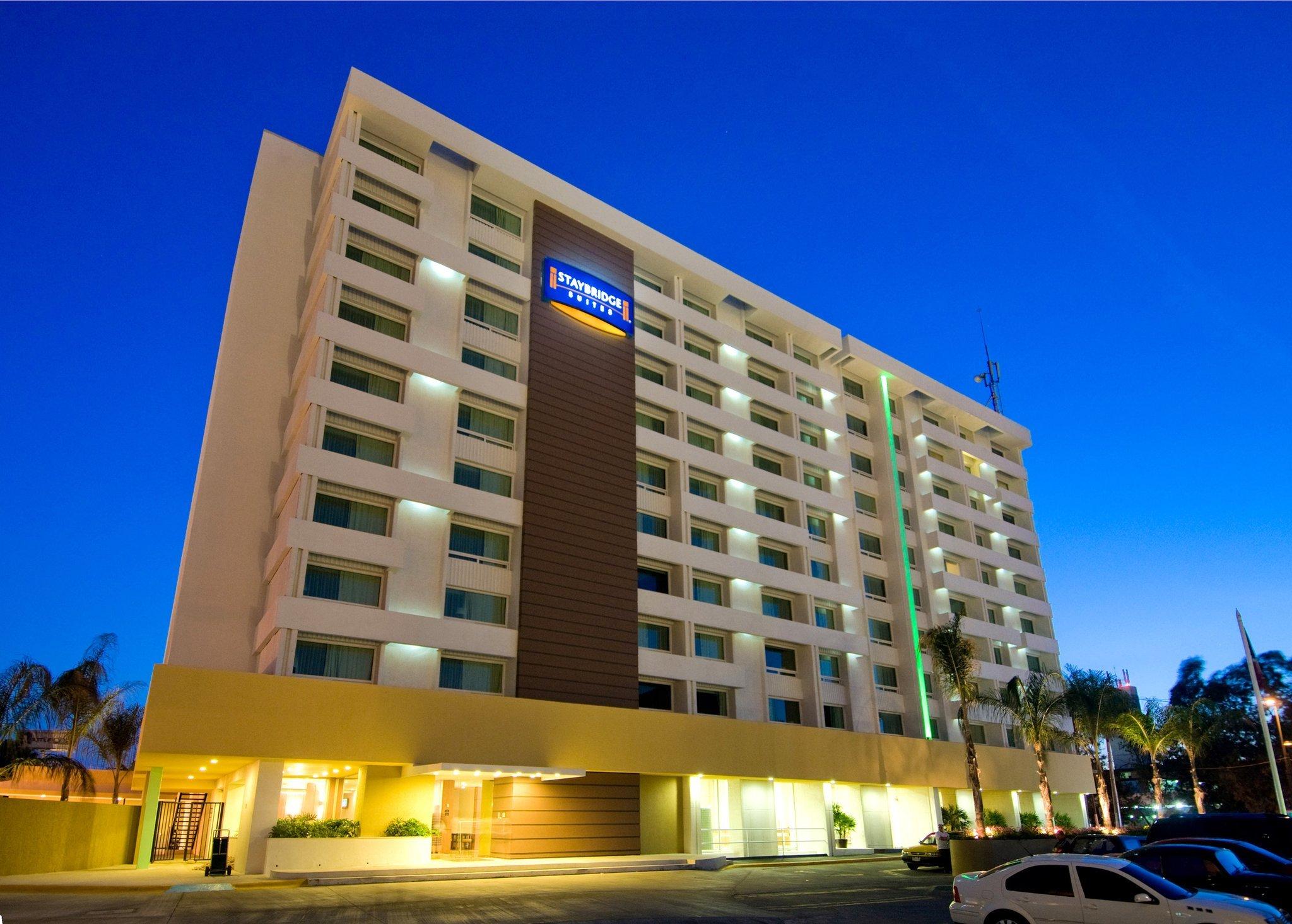 ステイブリッジ スイーツ グアデラハラ エキスポ ホテル
